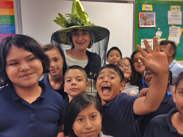 Marilyn Sollenberger with her fourth graders